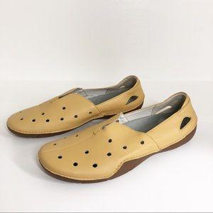 Propet • Leather Flats